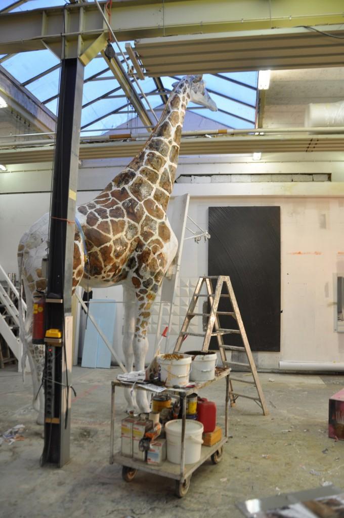 Giraffe in de werkplaats Paradies